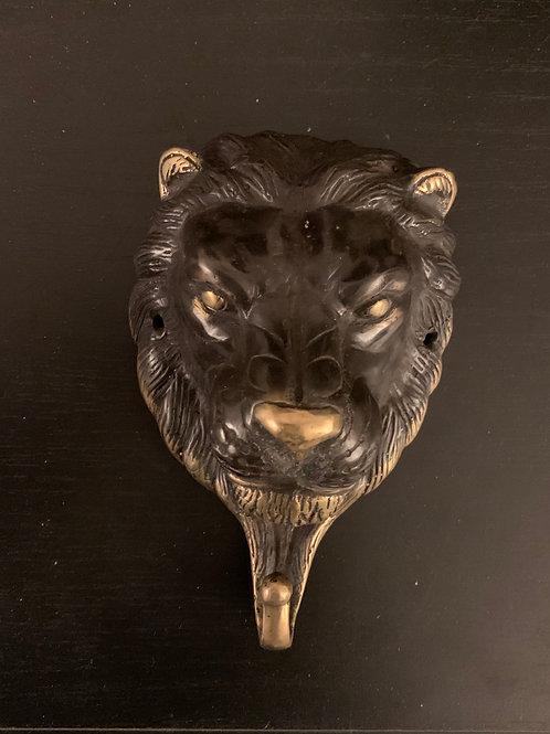 Gancio in bronzo (leone)  | Bronze hook (lion)