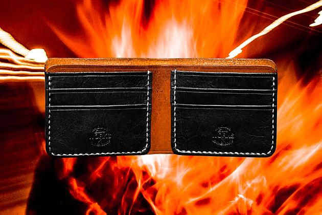 Saddle Tan/Black Bifold Wallet