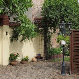 Übergang Hof Garten