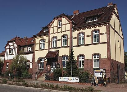 Seite_3_AlteBrückerPost_2012_vorn.jpg