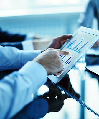 data analytis, financial data, data insights, performance metrics