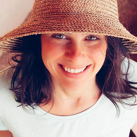 Carla Chapeu 2.jpg