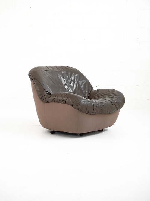 Vintage Swivel Lounge Chair by Burris