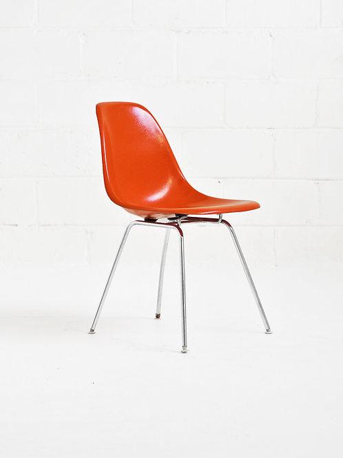Eames Molded Fiberglass Side Chair in Red-Orange For Herman Miller