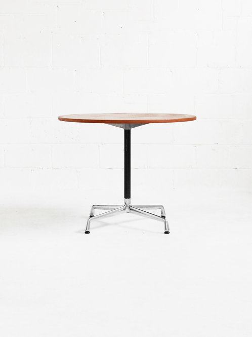 Eames Aluminum Group Round Table for Herman Miller