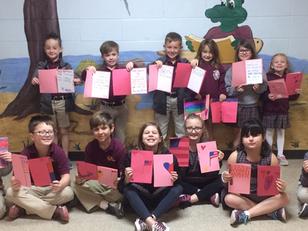 FRA 2nd Graders Make Valentines For Vets