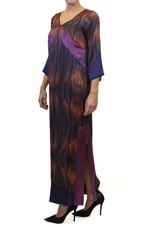 Vestido em chanel de seda estampado