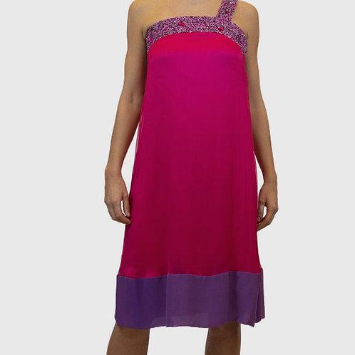 Vestido pink decote bordado