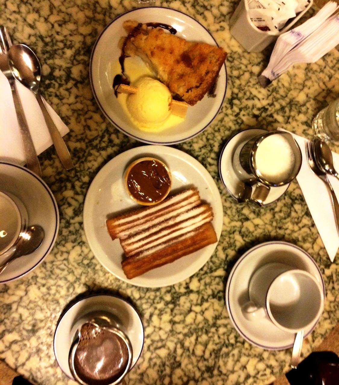Lanche da tarde no Café Tortoni