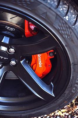 Dodge%20Charger%20wheel%20Brembo%20detail_edited.jpg