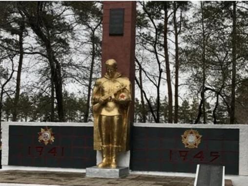 В Белогорском районе отремонтировали памятник погибшим в годы войны