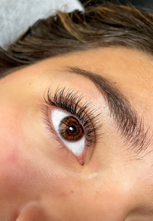 Classic Lashes By: Nicole