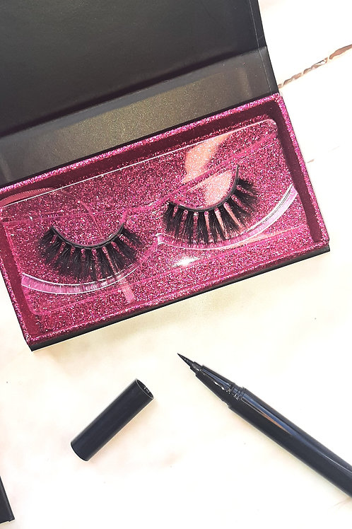 Crescent Magnetic Lashes by Mad House Mansion