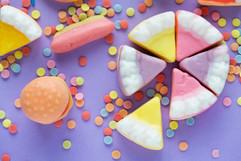 burger-cake-candies-1011330.jpg