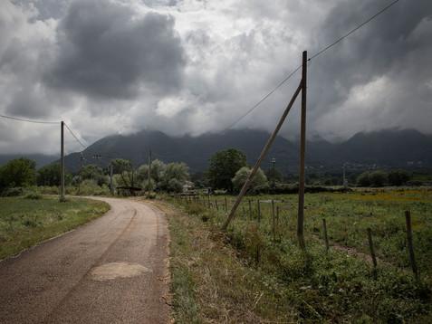 Sacco river Valley, Morolo / Supino (Frosinone) Country road. One of the areas most affected by the socio-environmental crisis. ---- Valle del Sacco, Morolo / Supino (Fr). Strada di campagna. Questa è una delle aree più colpite dalla crisi socio-ambientale.