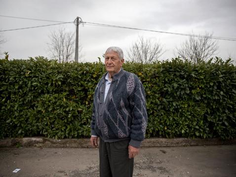 Sacco river Valley, Anagni (Frosinone). Domenico De Carolis has been reporting for many years the environmental crisis and the related health risks. ---- Valle del Sacco, Anagni (Fr). Domenico De Carolis si batte da anni denunciando la situazione di crisi ambientale ed i relativi rischi per la salute.