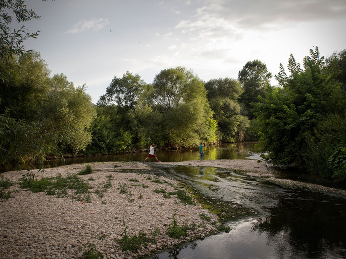 "Sacco river Valley, Ceccano (Frosinone). At sunset, along the bank of the Sacco river. Since 2016 the Sacco river basin has been added to the list of ""Sites of National Interest"", only the very extensive contaminated areas classified as dangerous by the Italian State can be part of it. ---- Valled del Sacco, Ceccano (Frosinone). Al tramonto, lungo le rive del fiume Sacco. Dal 2016 il bacino del fiume Sacco è stato aggiunto tra i ""Siti di Interesse Nazionale"". Solo le aree molto contaminate, da bonificare, e dichiarate pericolose dallo Stato Italiano possono farne parte."
