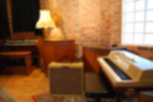 Wurlitzer EP200 Hammond C3 Hammond Les Muisc Studio Recording Studios Recording Studio Recording Studio Nottinghamshireie 145 Vintage Vintage Lamp