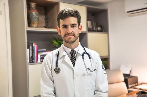 Dr.Roberto.jpeg