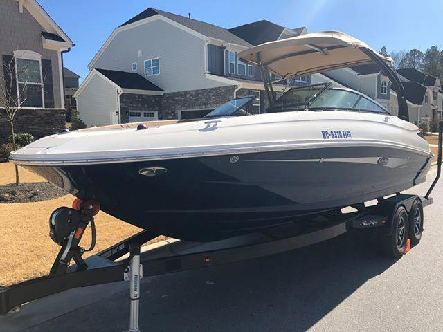 Sea Ray 240 Sundeck in Raleigh