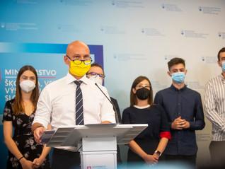 Teraz.sk: Gröhling a mládežnícke organizácie vyzývajú k očkovaniu študentov