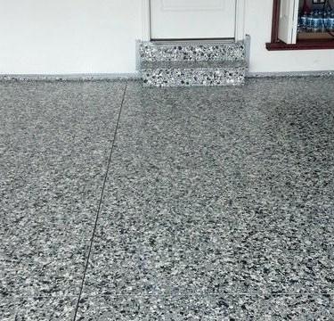 epoxy-flake-flooring-garage-floor-luxury