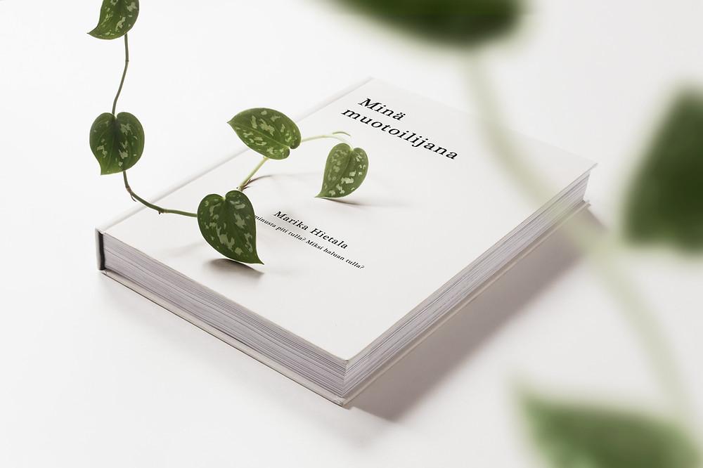 Minä muotoilijana kirja