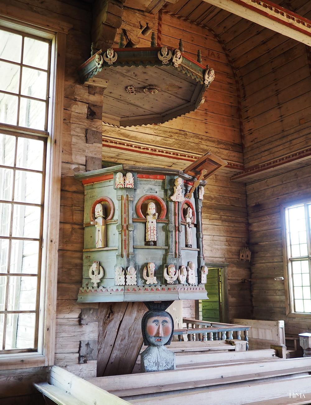 Petäjäveden vanha kirkko saarnastuoli