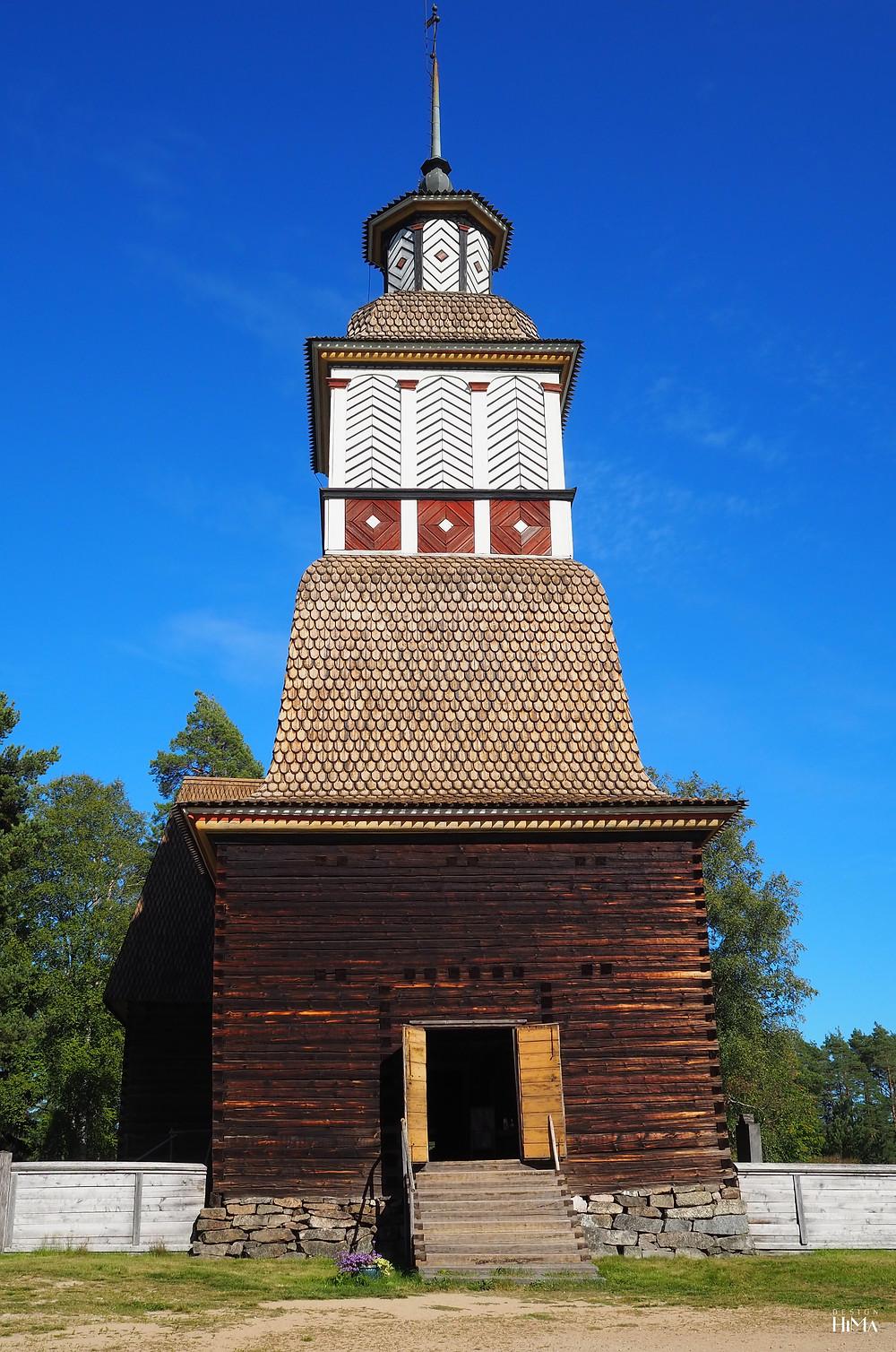 Petäjäveden vanha kirkko kellotapuli