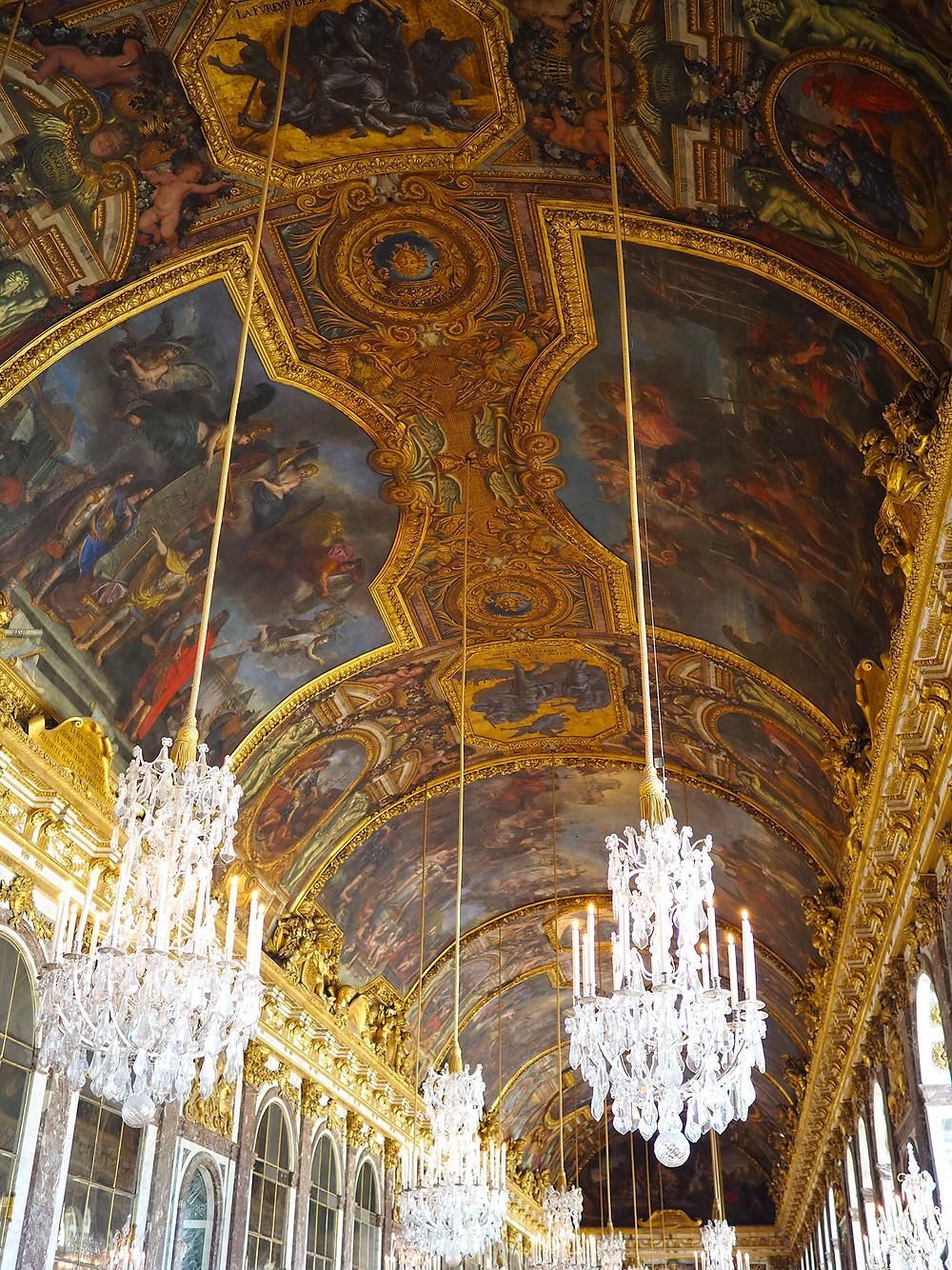 Versaillesin linnan peilisalin katto