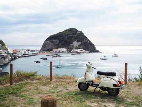 Matkalaukunlainaaja Ischian saarella
