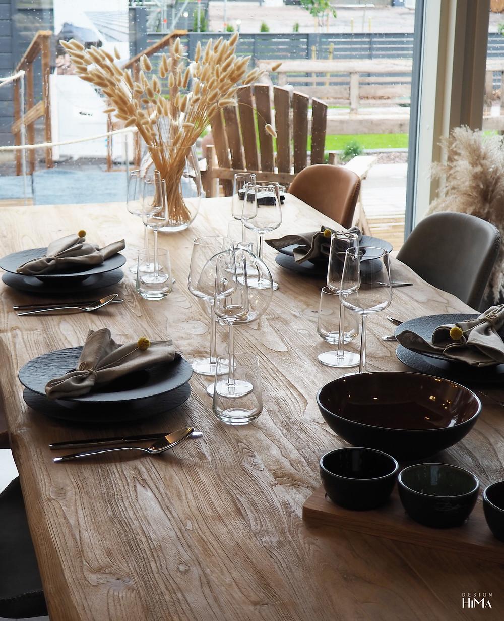 Omatalo Kulma ruokapöytä