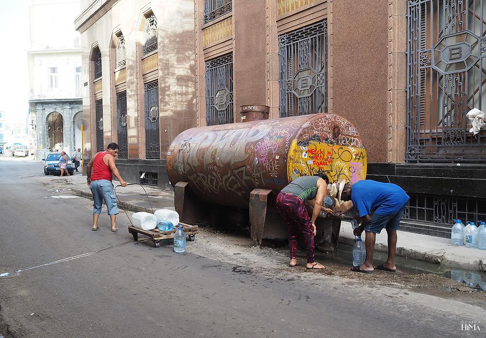 Vesisäiliö Havannan kadulla