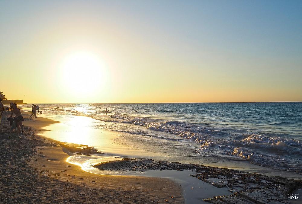 Varadero Kuuba auringonlasku rannalla