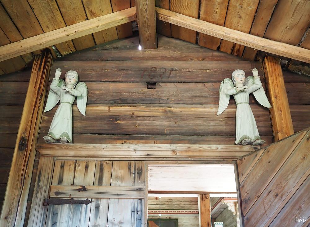 Petäjäveden vanha kirkko enkelit
