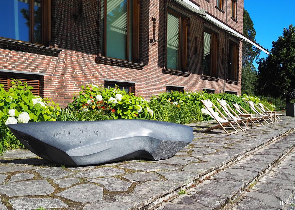 taidemuseo Gösta aurinkotuolit