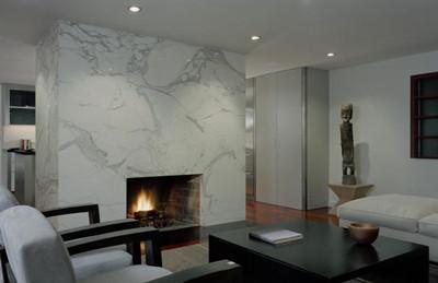 Calacatta_marble_fireplace_surround.jpg