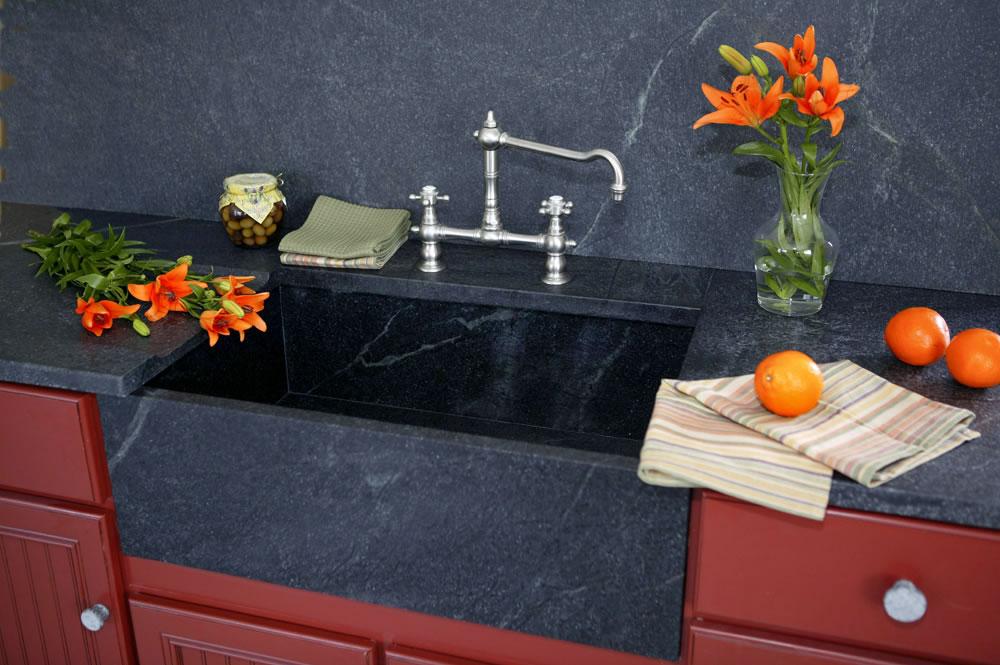 soapstonekitchen-soapstone-slab-polished-green-brazil-kitchen.jpg