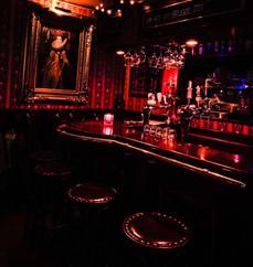 De kleine bar...