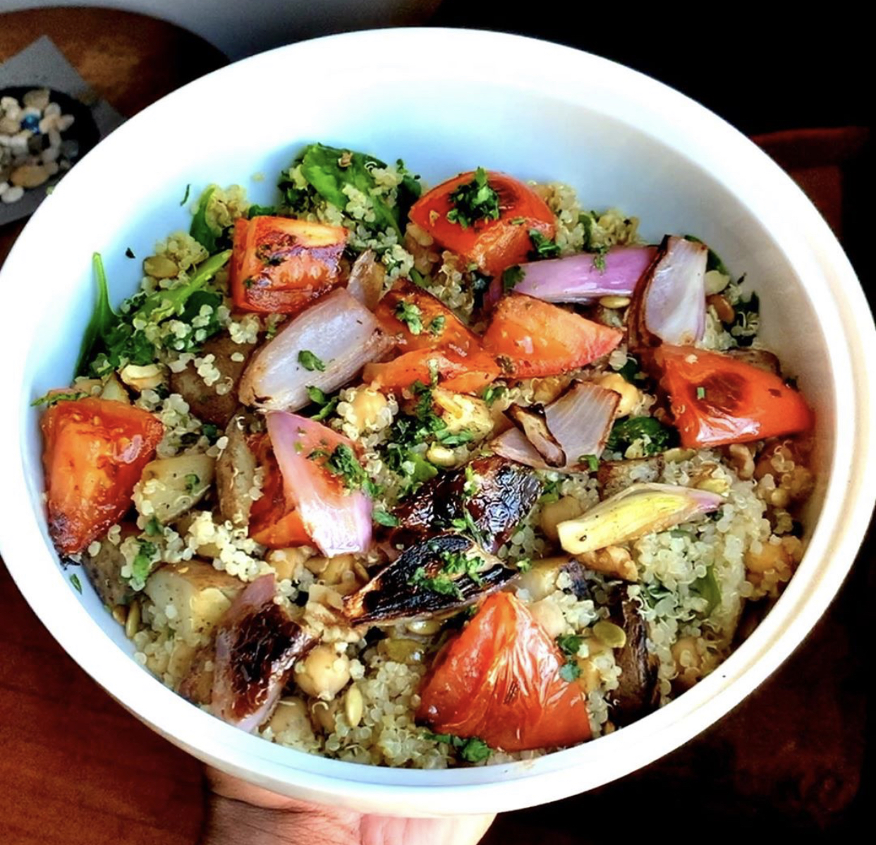 vegan quinoa roasted veggie bowl