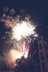 Steigerturm in Flammen Feuerwerk