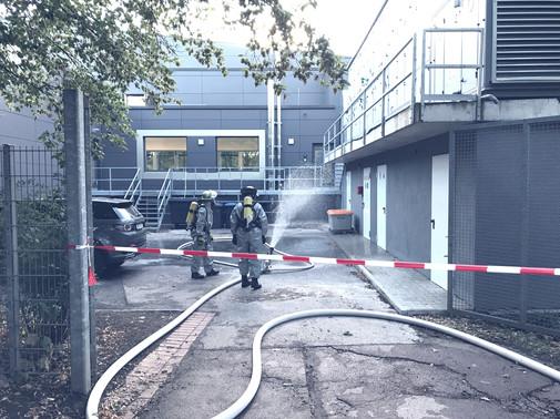 180813_lz44_hallenbad_LZ_Büderich_Feuerw
