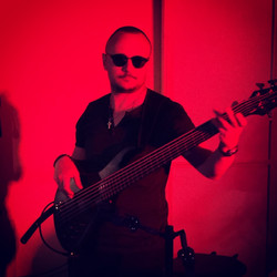 Red bassist
