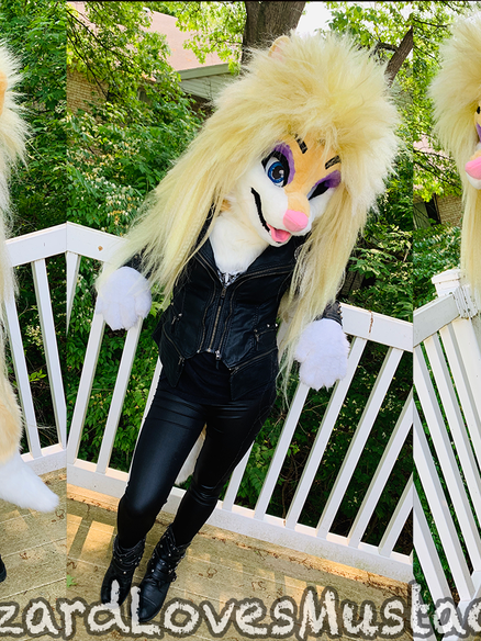 RoxxyFursuit.png