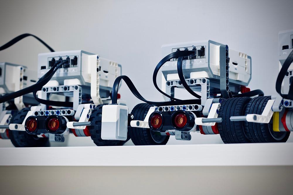 The age of the robots? Photo by Jelleke Vanooteghem on Unsplash