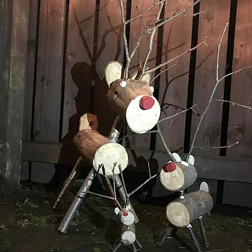 Woody festive decorations