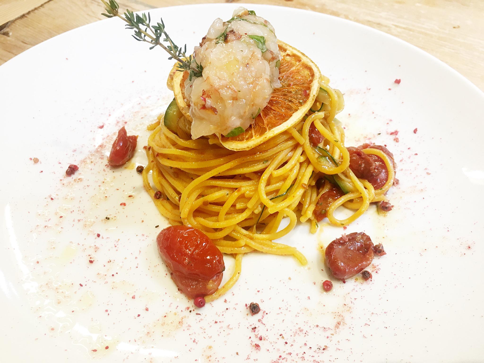Spaghettini con tartare di gamberi