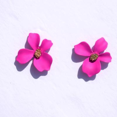 Dahlia Magenta Flower Shaped Stud