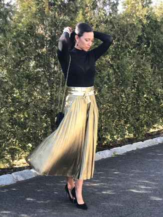 Your very versatile pleated skirt