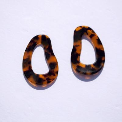 Layla Acrylic Tortoise Hoop